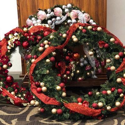 APB353  Three Festive Christmas Wreath