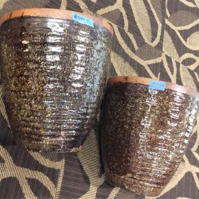 APB044 Two Ceramic Planter Pots