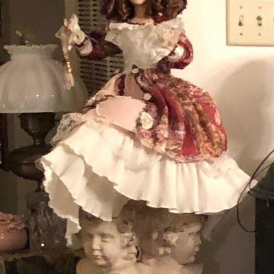 https://www.ebay.com/itm/114361586825WL2055 Large Porcelain Doll Local PickupBuy-It_Now $20.00