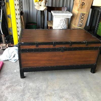 https://www.ebay.com/itm/114343840893WL7069 Storage Trunk Local PickupBuy-It_Now130