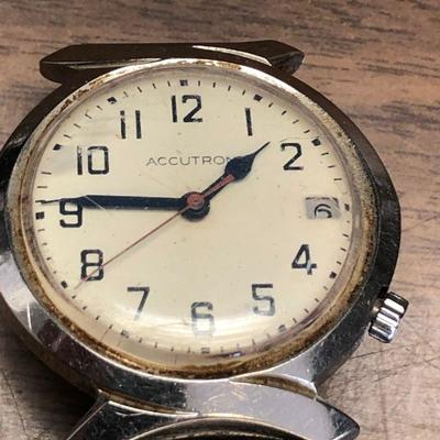 https://www.ebay.com/itm/114362082334LX2089: Accutron Man's Wrist Watch ASIS - Not Tested - PartsAuction Start after 08/19/2020 6 PM