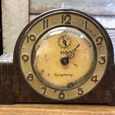 https://www.ebay.com/itm/114362285726LX2105: Vintage Lux Symphony manual alarm clock ASIS - Not TestedAuction Start after 08/19/2020 6 PM