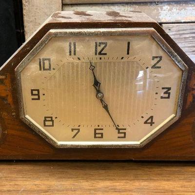 https://www.ebay.com/itm/124302645592LX2096 Art Deco Mantel Clock ASIS - Not TestedAuction Start after 08/19/2020 6 PM