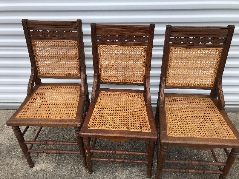 https://www.ebay.com/itm/114350178123	LAN9709: 3 Hand Caned Vintage Wood Chairs Local Pickup	BIN	100