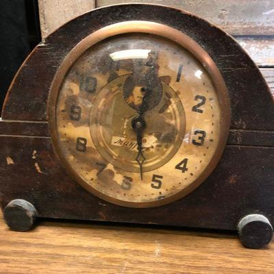https://www.ebay.com/itm/114362284090LX2102: Vintage Ingraham Mayfair manual alarm clock ASIS - Not TestedAuction Start after...