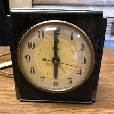 https://www.ebay.com/itm/114362274740LX2099: Vintage Warren Telechron Art Deco Electric Alarm Clock ASIS - Not TestedAuction Start...