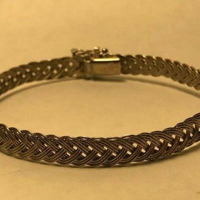 WL108 STERLING SILVER BRAIDED WOVEN BRACELEThttps://www.ebay.com/itm/124320686788BIN $20.00