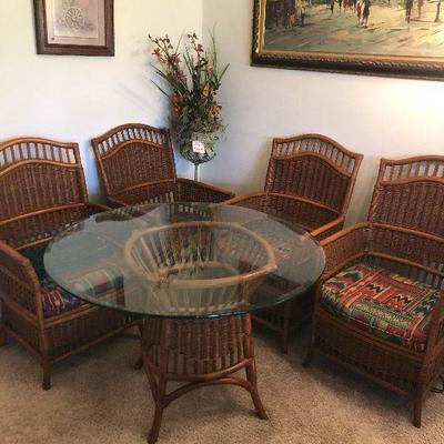 Rattan/Wicker Round Glass Table Top and 4 chairs