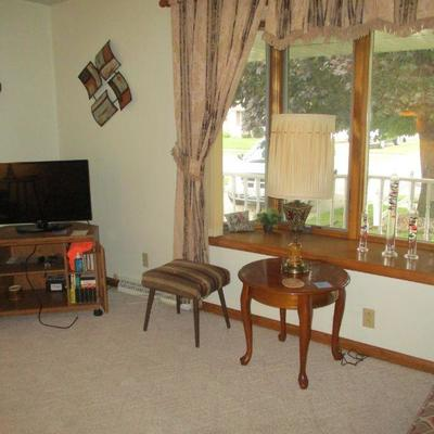 TV, stool & table