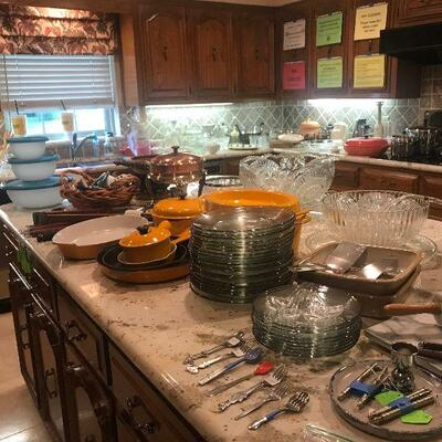 Kitchen packed with great items