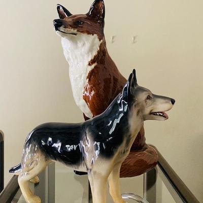 "Beswick Sitting Fox figurine, 12.5"""