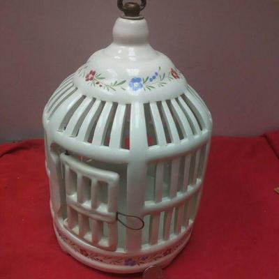 https://www.ebay.com/itm/114403187597	WL3104 VINTAGE DECORATIVE WHITE CERAMIC BIRD CAGE WITH PAINTED FLOWERS 	Buy-It-Now	 $22.99