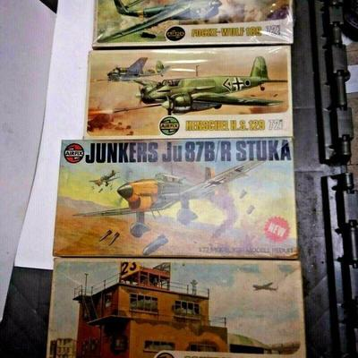 https://www.ebay.com/itm/124334275684	DP0013 LOT OF 4 AIRFIX 1/72 MODEL KITS IN BOXS GERMAN PLANES & CONTROL TOWER	Buy-It-Now	 $20.00
