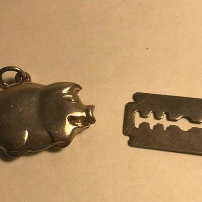 https://www.ebay.com/itm/124334129275	WL135 LOT OF 2 CHARM PENDANTS RAZOR AND PIG	Auction Starts 09/16/2020 After 6 PM