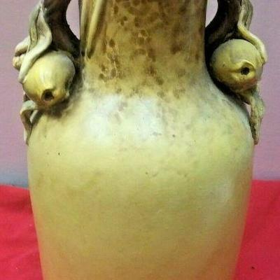 https://www.ebay.com/itm/124334091363	WL3105 VINTAGE 12 1/2 TALL  LIGHT GREEN CERAMIC VASE 	Buy-It-Now	 $22.99