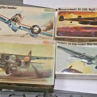 https://www.ebay.com/itm/124334279599	DP0017 LOT OF 4 FROG 1/72 MODEL KITS IN BOXS GERMAN WW2 FIGHTER PLANES	Buy-It-Now	 $20.00