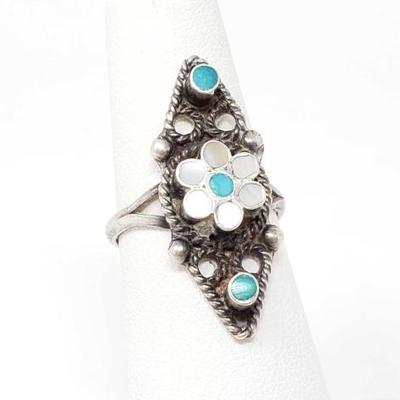 2064	  Old Pawn Turquoise and Pink Shell Sterling Silver Ring, 3.5g Size 6 Weighs Approx 3.5g Genuine Turquoise and Shell  Navajo Native...