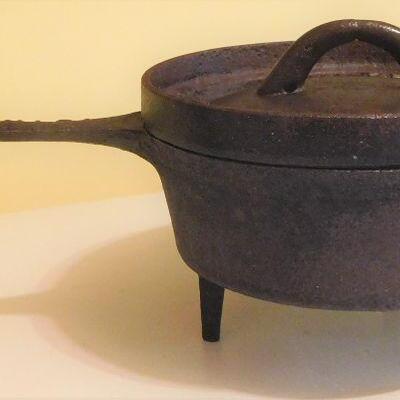 Cast Iron Pot w/Lid