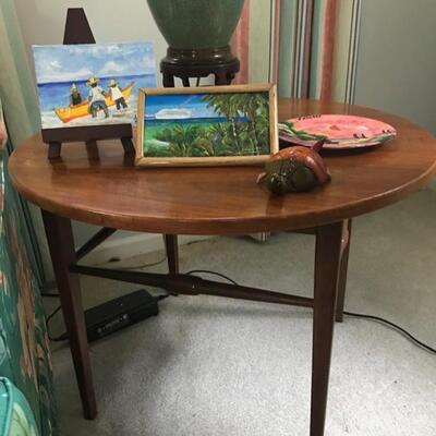 mid century round end table $195 27 X 20