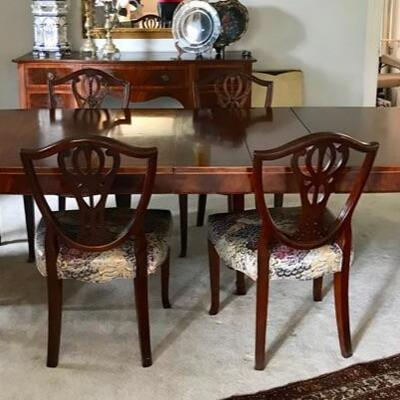 Drexel dining table with 3 leaves and pads $695 96 X 44 X 29