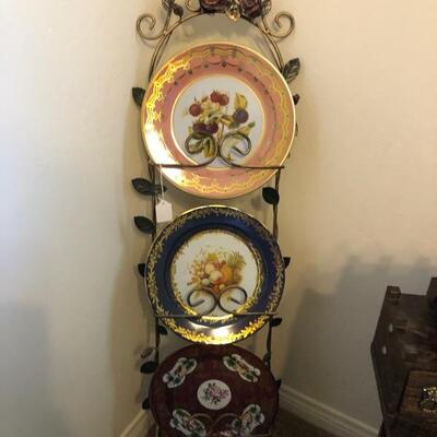 Plates and plates holder
