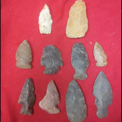 LAR9005 Antique American Indian Arrowheads $10 each and up