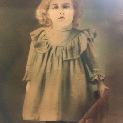 https://www.ebay.com/itm/114447510372LAR0025 Canvas Picture w/ Vintage Girl w/ Blue Eyes Pickup Only ( 20