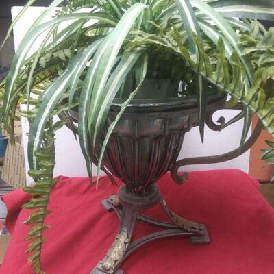 https://www.ebay.com/itm/114448615658WL3125 12 INCH DIAMETER METAL POT WITH GLASS INSERT & ARTIFICIAL PLANTS  $43.00 Buy-It-Now