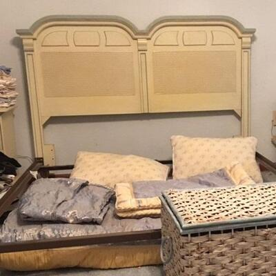 TL0030 Vintage Cream Headboard with Metal Frame Pickup Only $50
