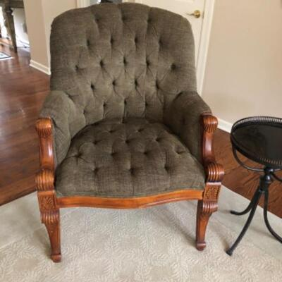Tufted chair 145.00