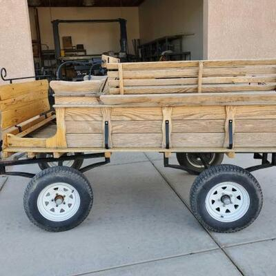 302  Horse Drawn Hi-Teck Carrages HTC ST-PIE Quebec, Canada This wagon is in excellent shape.  Don't miss out ! Horse Drawn Hi-Teck...