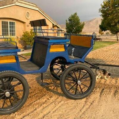 303  Horse Drawn Voitures Robert & Fils ST-PIE Wagon Quebec, Canada This wagon is in excellent shape and as cute as it can be.  Very...