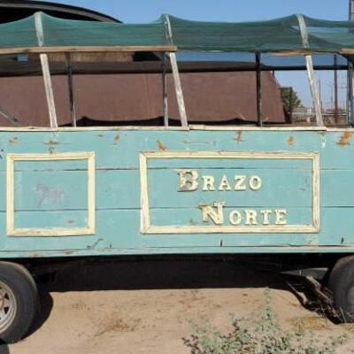 602  Rubber Tired Horse Drawn Wagon Rubber Tired Horse Drawn Wagon Wagon size is 14' long x 6' wide x 8' tall Has a foot brake Has front...