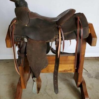 242  Western Roping Saddle 15