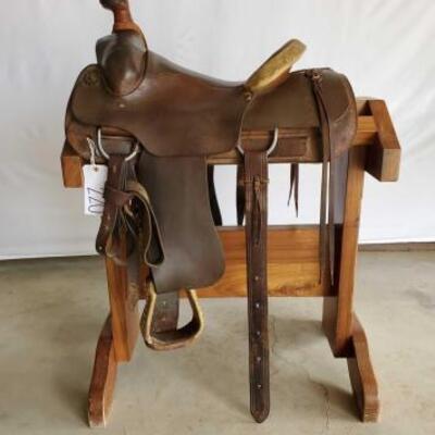 220  Western Roping Saddle 15