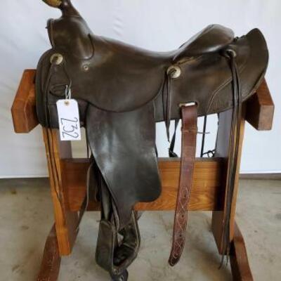 232  Vintage A Fork Western Saddle 16