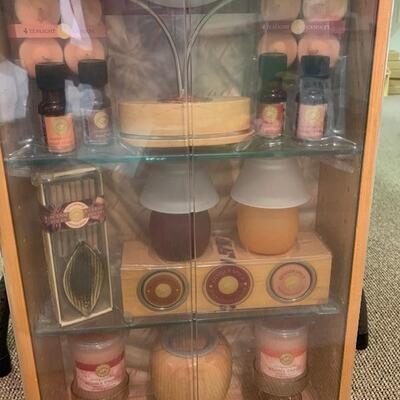 $75 Brand New ! Aromatherapy & Candle Spa Relaxation Unit/ Solid Wood & Glass Shelves &  Door