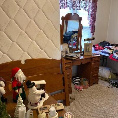 Double bed & maple vanity