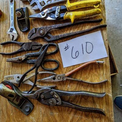 #610 13 piece misc tools $10
