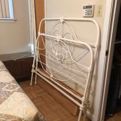 https://www.ebay.com/itm/114512828674HYH012 Very Heavy Wrought Iron Antique Bed Pickup OnlyBuy-It-Now $400.00