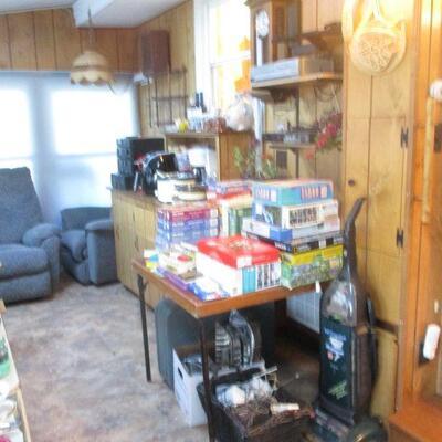 Puzzles, games & kitchen.