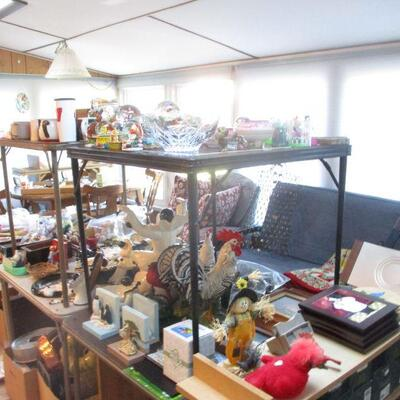 Another view of snow globes, etc.