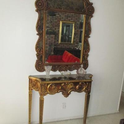 BEAUTIFUL GOLD GILT ENTRY TABLE & MATCHING MIRROR