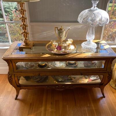 Wonderful French Vitrine with convex and concave doors