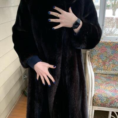 reversible mink coat, black, size 8-10