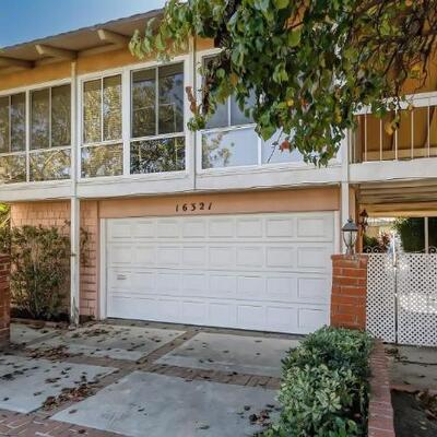 Lot #: 200 - 16321 Niantic Cir, Huntington Beach, CA 92649: 4 bd4 ba2,601 sqft ........ON THE WATER! Great opportunity to own this...