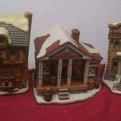 https://www.ebay.com/itm/114575415357	GN3137 LOT OF THREE LEFTON USED VINTAGE CERAMIC COLONIAL VILLAGE BUILDINGS		 Buy-it-Now 	 $54.99