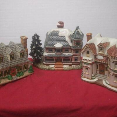 https://www.ebay.com/itm/124474294778	GN3128 LOT OF THREE USED VINTAGE CERAMIC FELTON COLONIAL VILLAGE BUILDINGS		 Buy-it-Now 	 $55.00