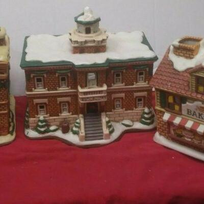 https://www.ebay.com/itm/124474294776	GN3118 LOT OF THREE USED VINTAGE CERAMIC FELTON COLONIAL VILLAGE BUILDINGS		 Buy-it-Now 	 $55.00