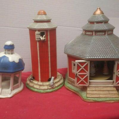 https://www.ebay.com/itm/124486381233	GN3157 LOT OF THREE LEFTON USED VINTAGE CERAMIC COLONIAL VILLAGE BUILDINGS		 Buy-it-Now 	 $54.99